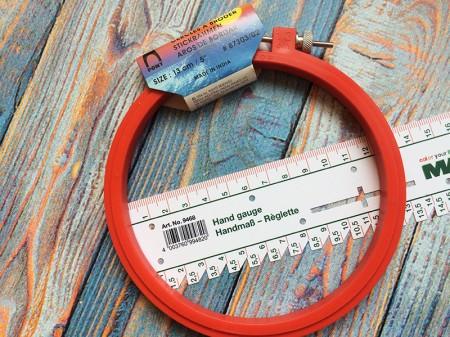 П'яльця круглі Pony для вишивання пластикові з гвинтом 130mm