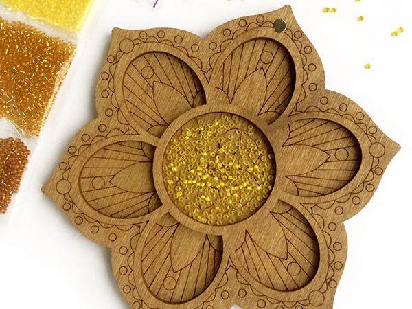 Дерев'яний органайзер для бісеру, намистинок або паєток (7 комірок)